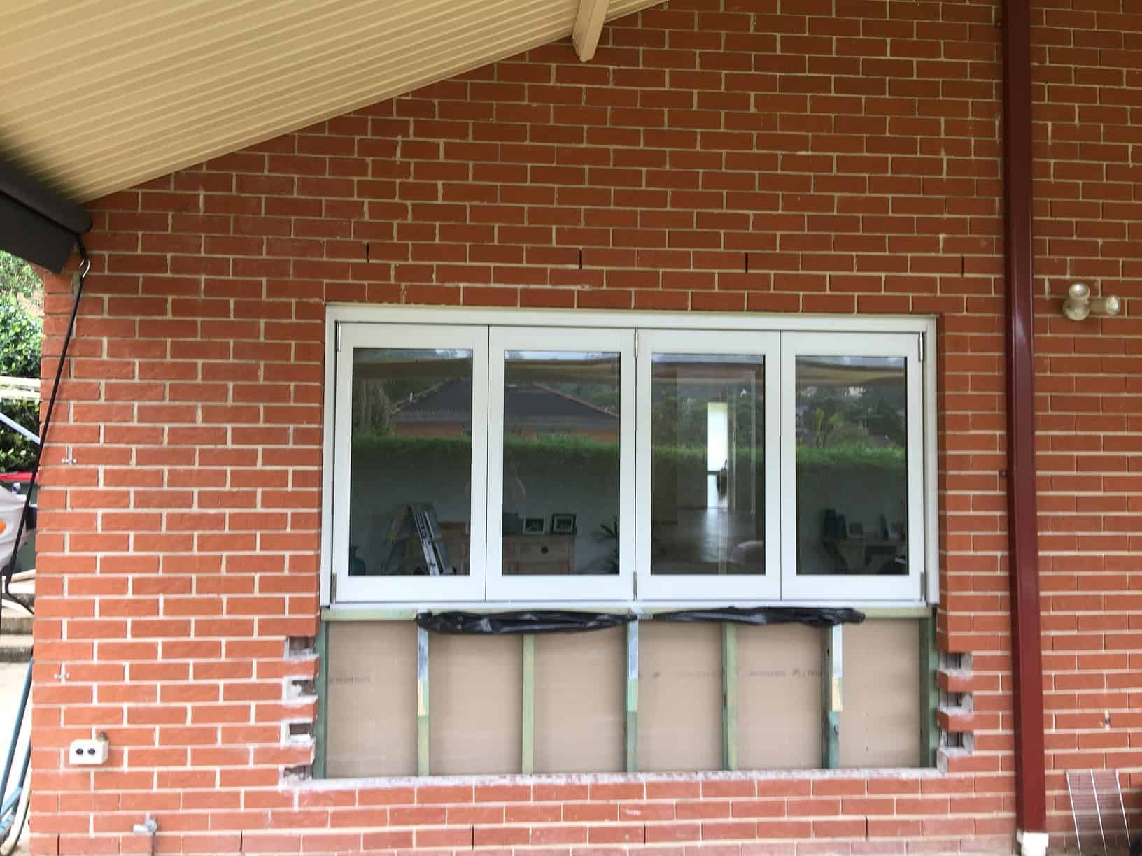 bi-fold-window-installation